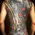 鯉の和彫り刺青