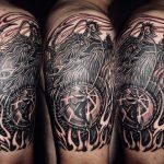 龍と梵字の刺青